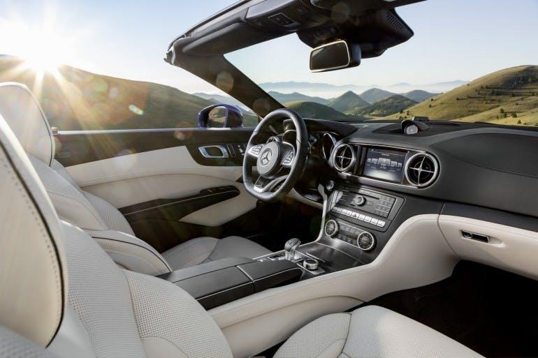 Mercedes-Benz SL. Interieur, Nappaleder porzellan / schwarz