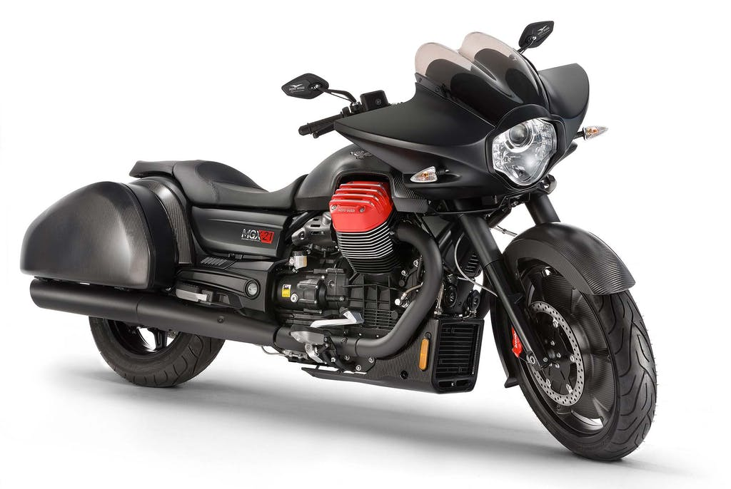 Moto Guzzi MGX-21 Flying Fortress: born to ride