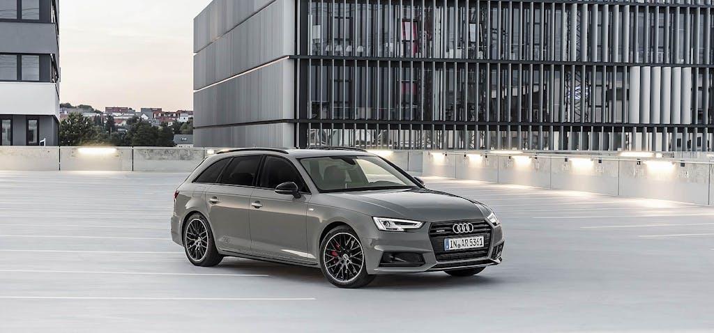 Audi A4 S Line Black, il lato oscuro dei 4 anelli