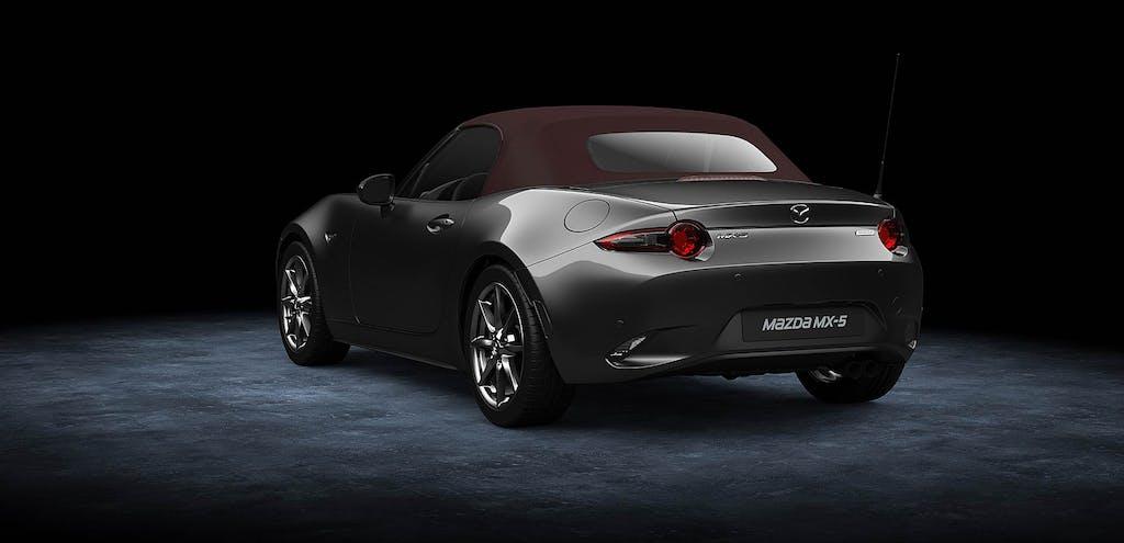 Mazda MX-5, ciliegina sulla… capote