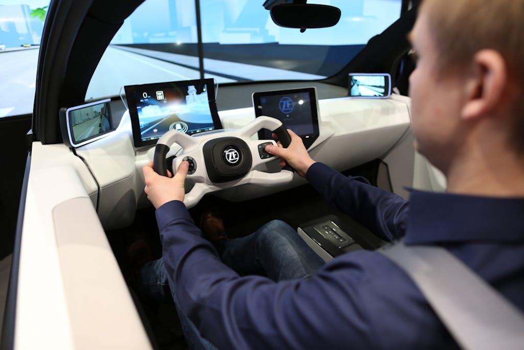 ZF Concept 2020, il quadro strumenti che riduce lo stress alla guida