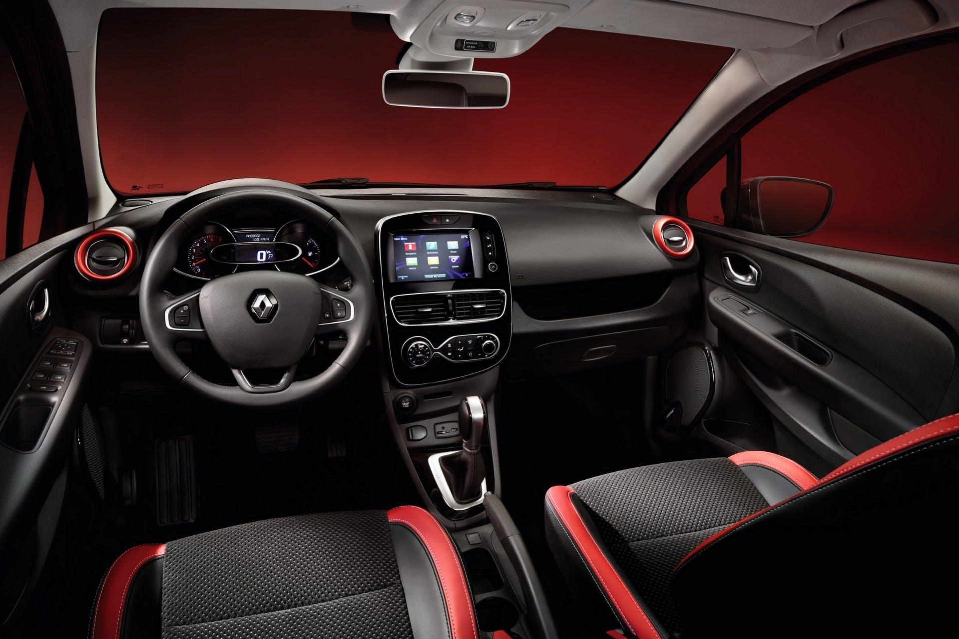RenaultClioMY17-011