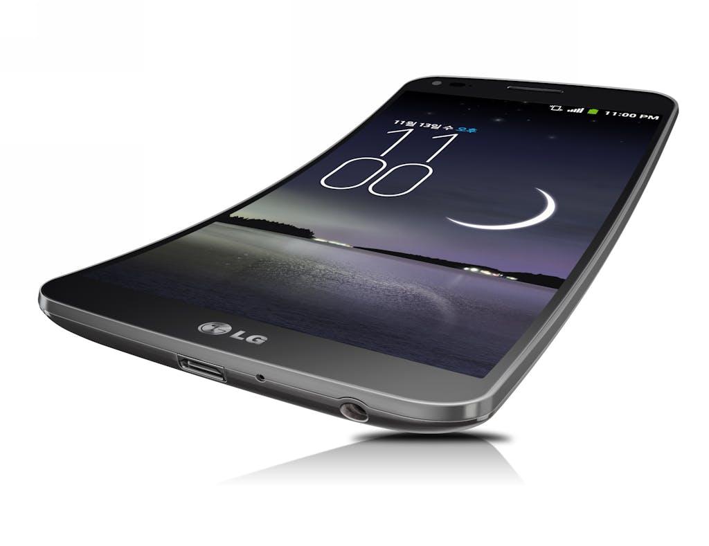 LG Flex, il bello delle curve
