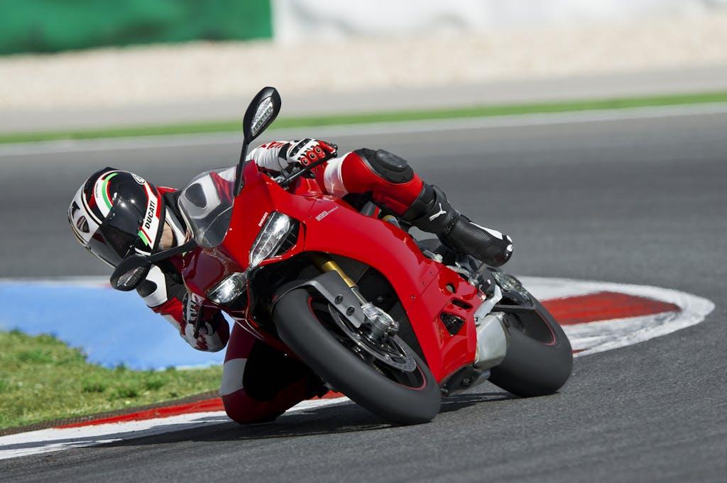 Ducati Riding Experience 2012, con Bayliss e la Panigale