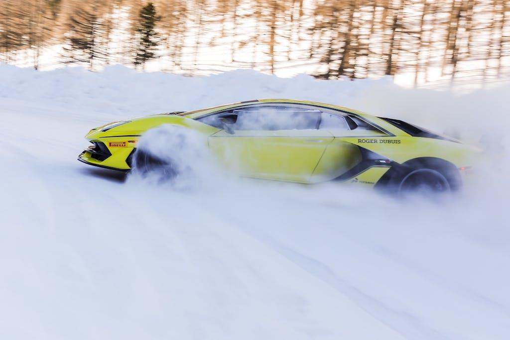 Lamborghini Accademia, sfida tra i ghiacci