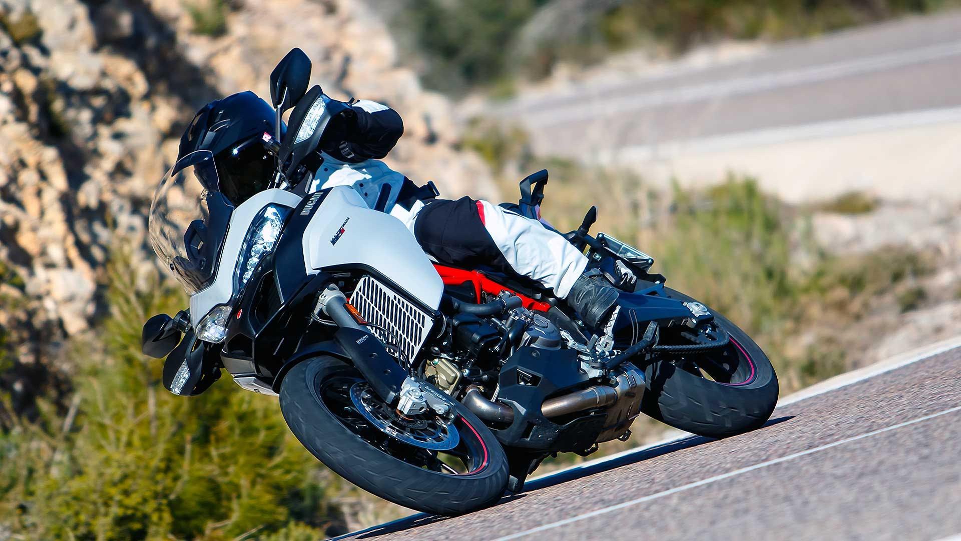 Ducati-Multistrada-950-S-2019-018
