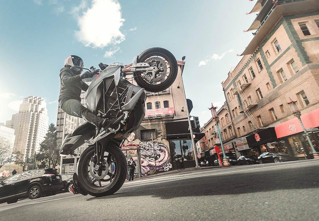 Zero Motorcycle SR/F, la moto elettrica da 320 km di autonomia