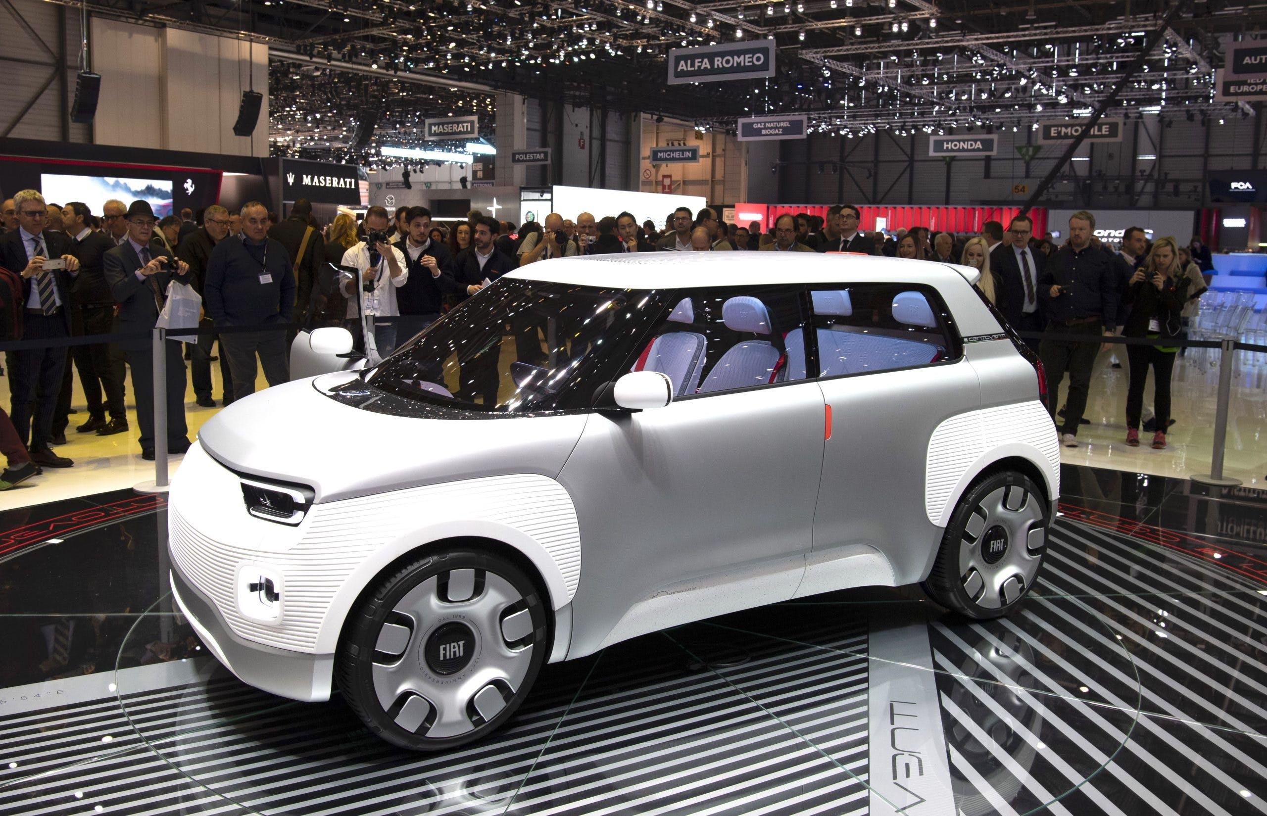 Fiat Concept Centoventi allo stan del Salone di Ginevra 2019