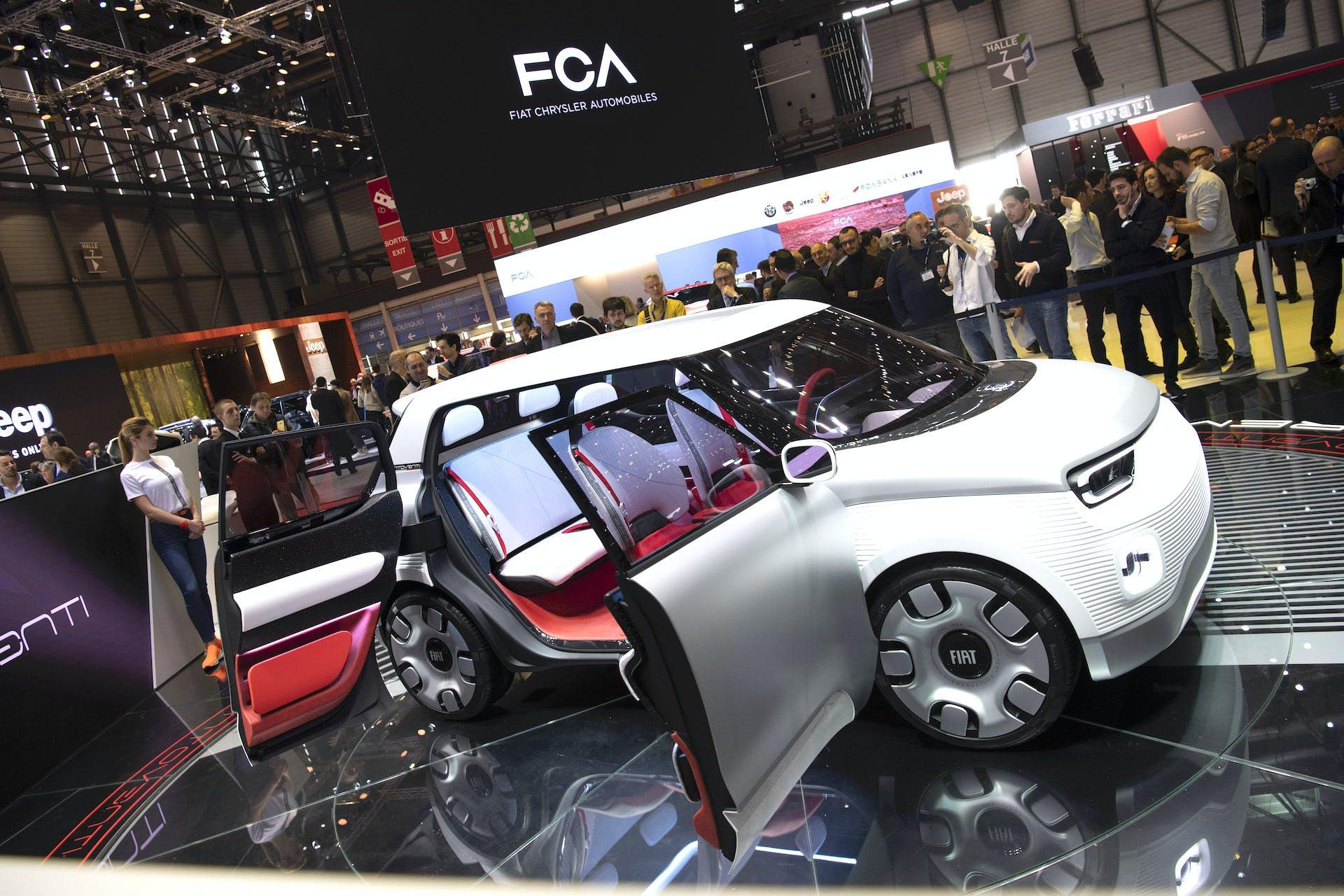 Fiat Concept Centoventi con portiere aperte al Salone di Ginevra 2019