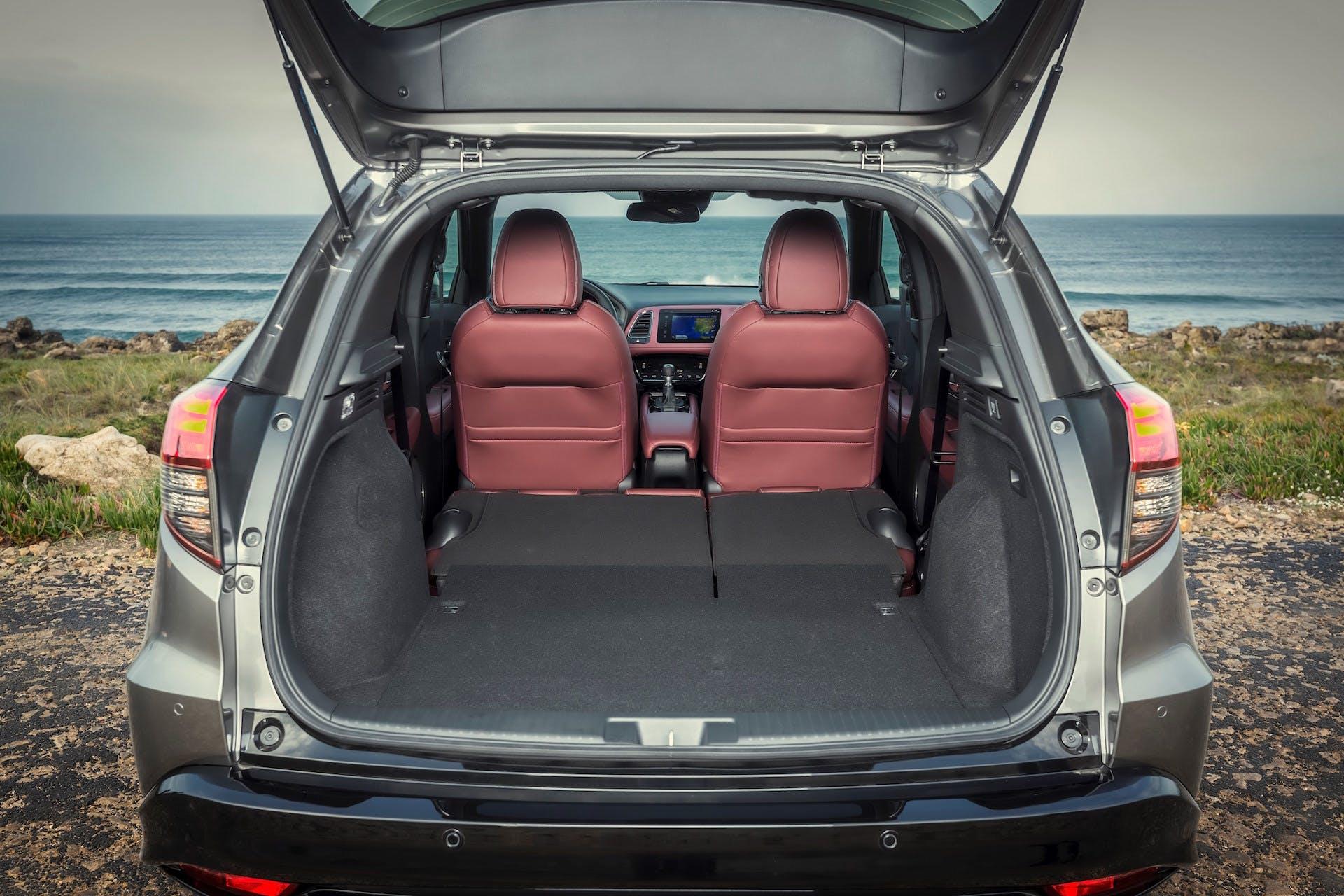 Honda HR-V auto baule sedili reclinabili capienza capacità pieno carico