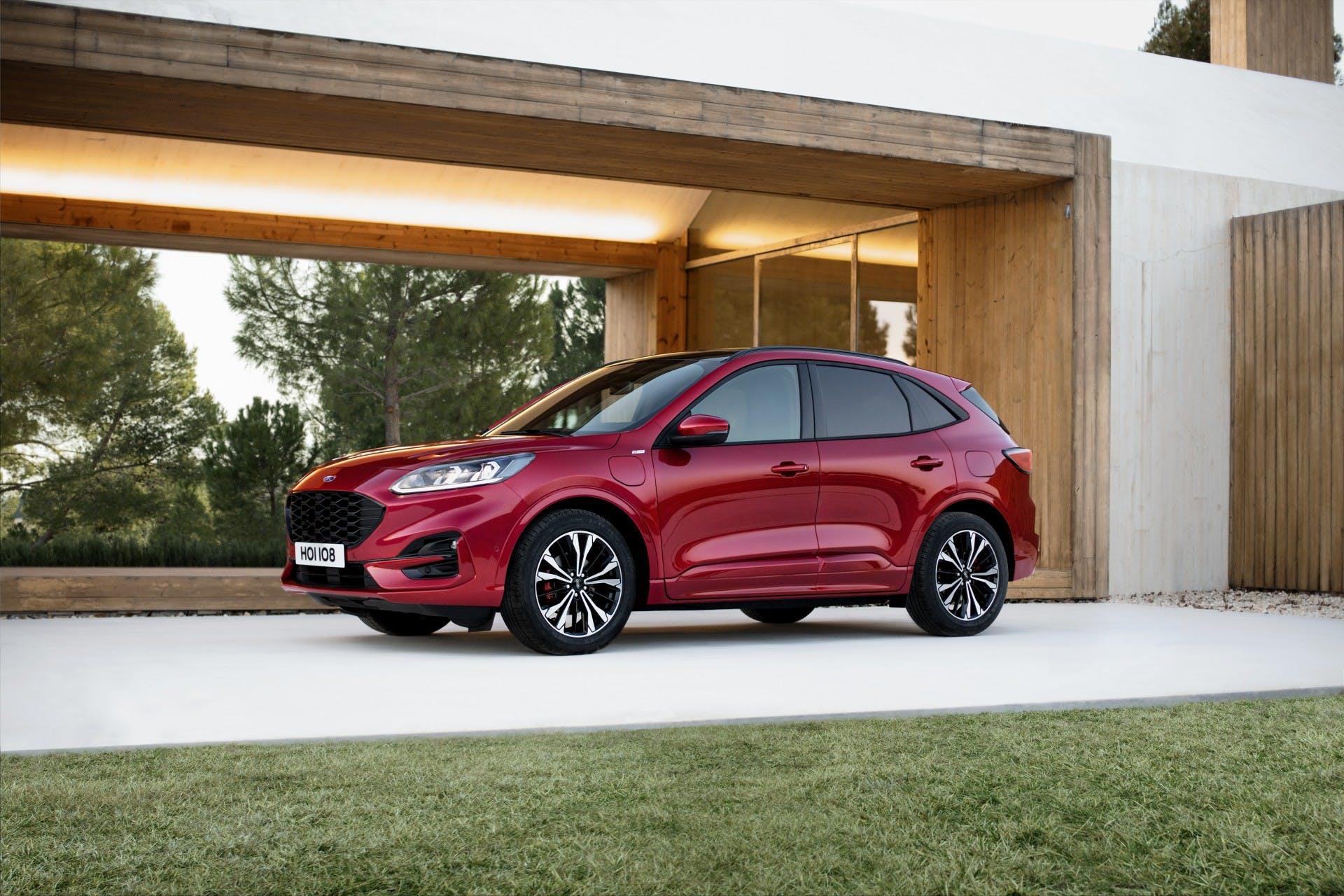 Ford Kuga 2019, tre quarti anteriore statica