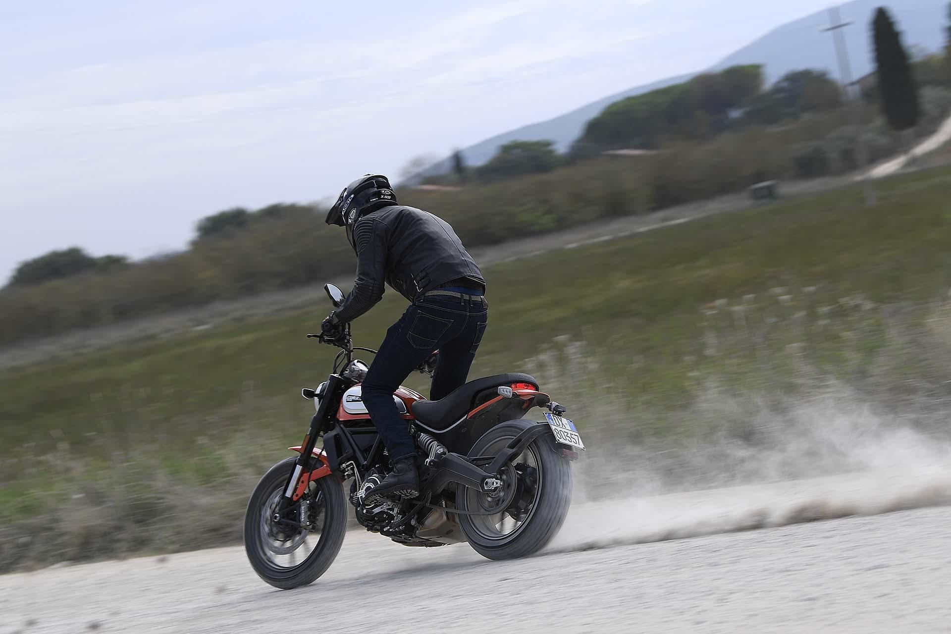 Ducati Scrambler 800 Icon 2019 sterrato