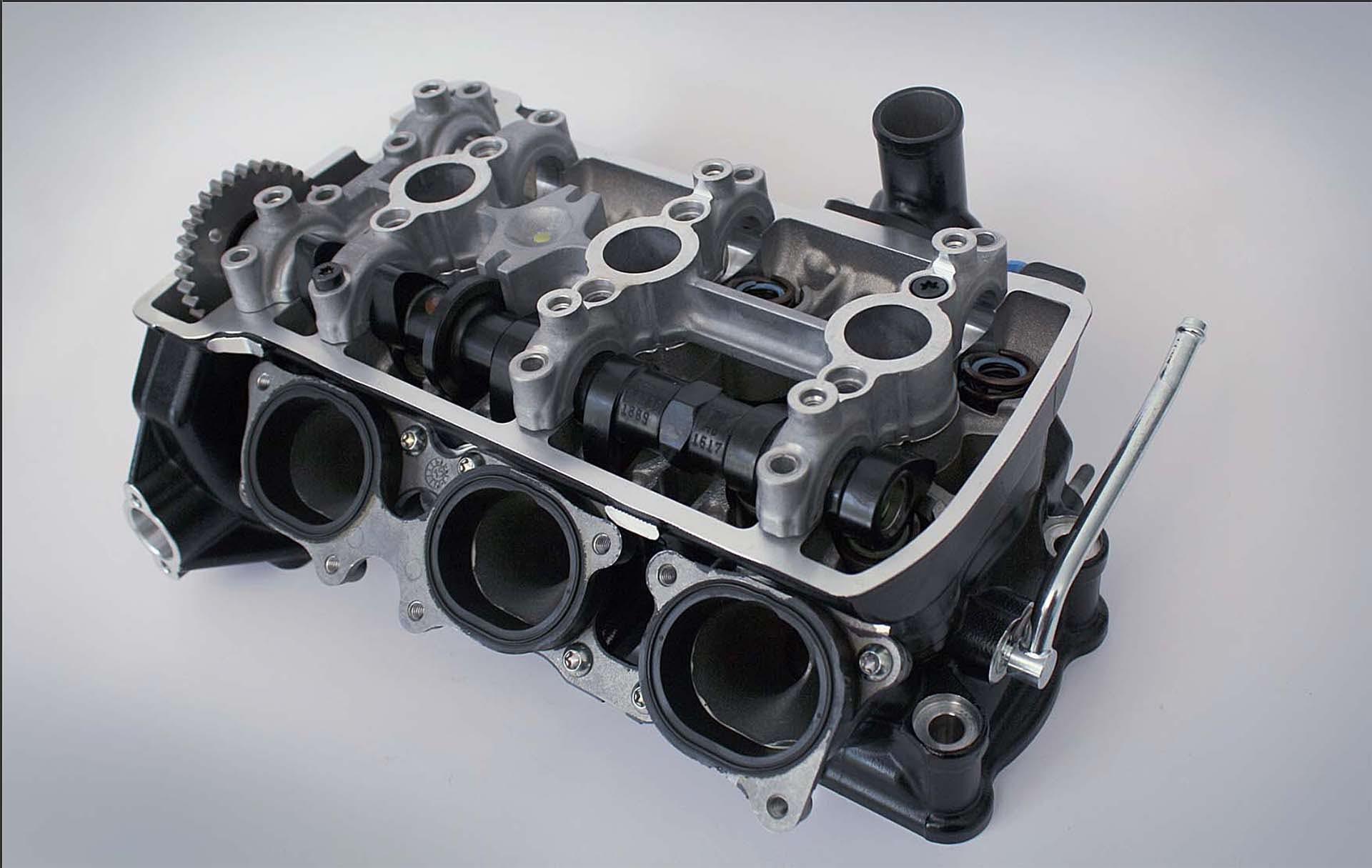 mv agusta motore 3 cilindri