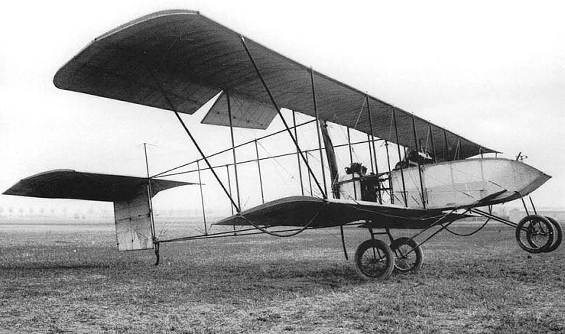 Gabriel Voisin aereo al decollo in bianco e nero