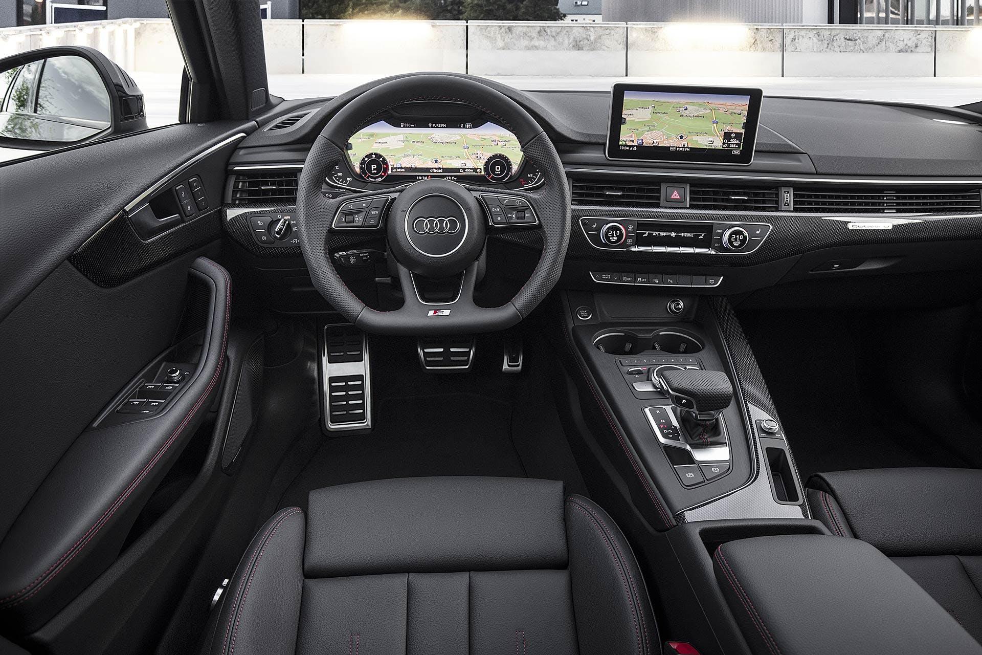 Audi A4 Avant S Line Black 2018 interni