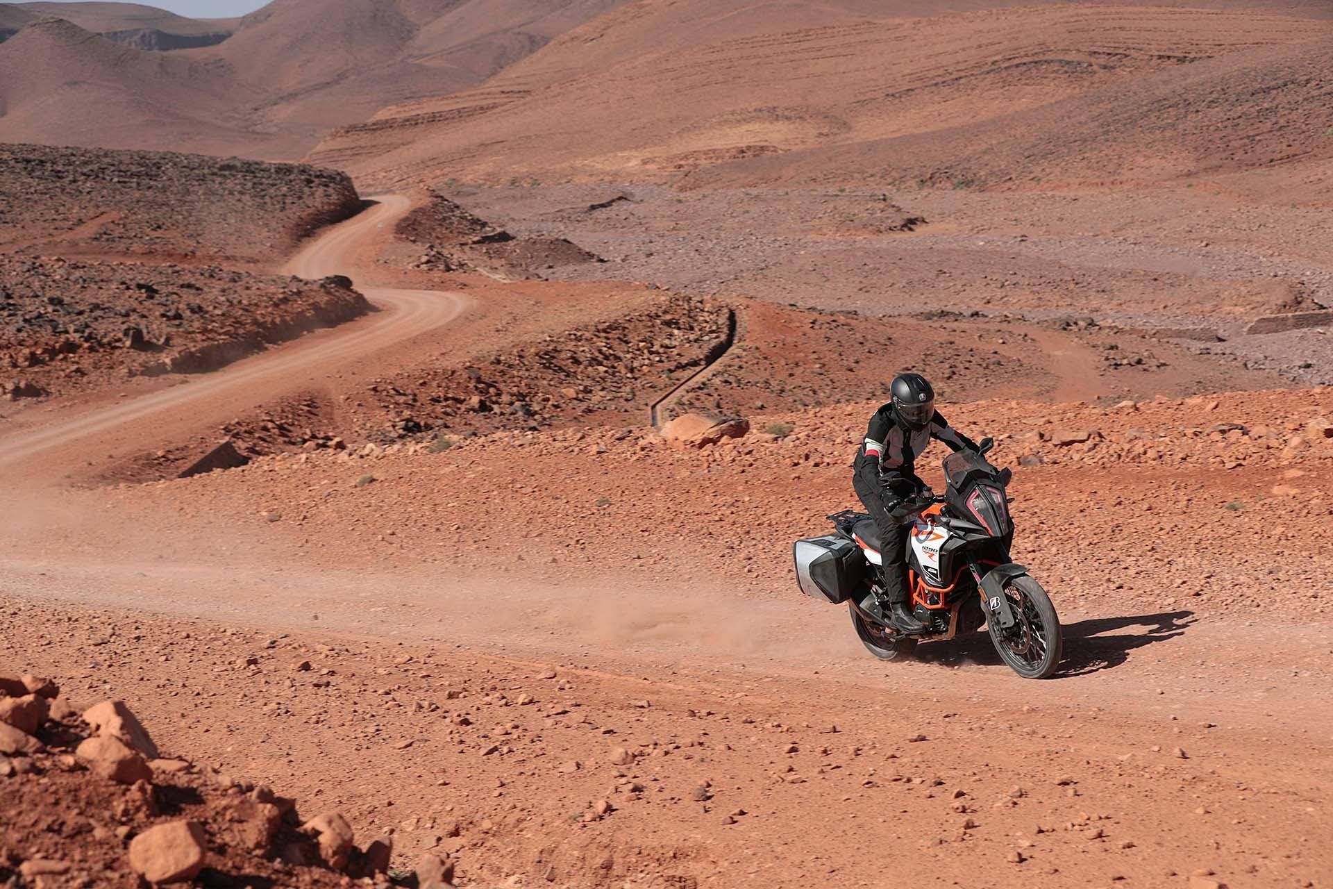 Bridgestone Battlax Adventure A41 - sterrato con KTM 1290 Super Adventure R