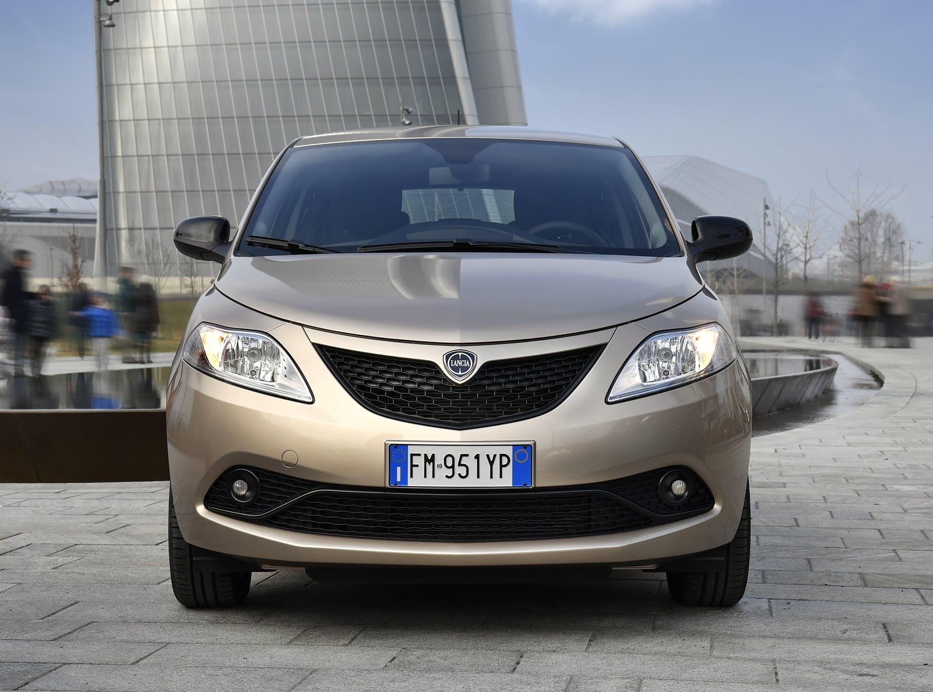 Lancia Ypsilon Gold frontale