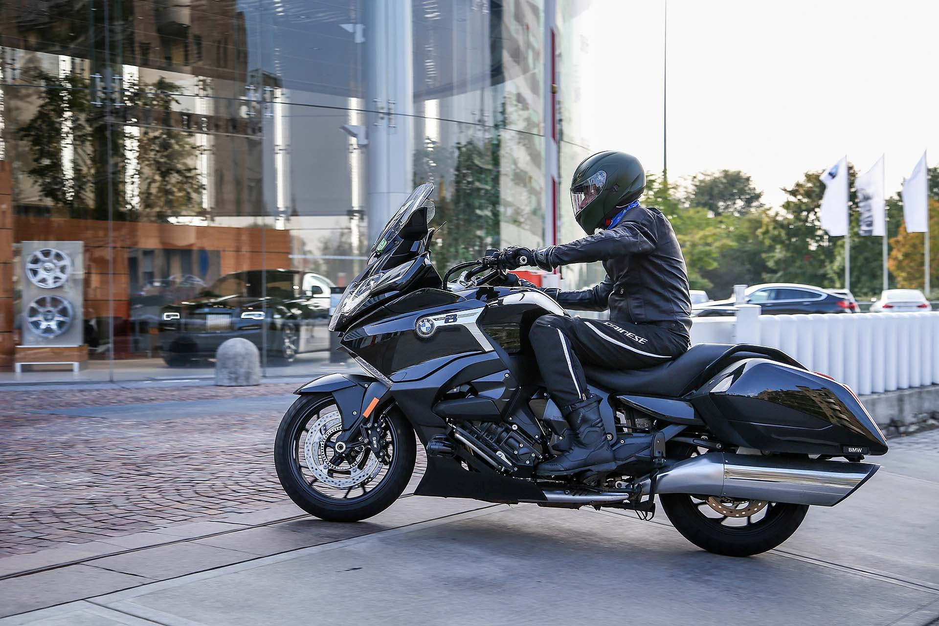 BMW K 1600 B in bmw