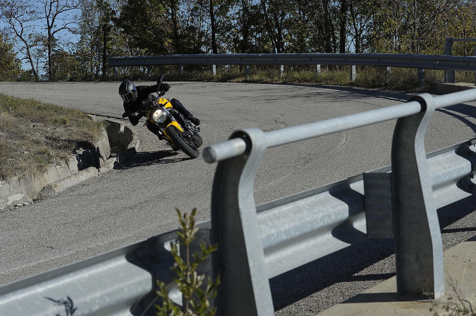 Ducati Monster 821 MY18 Dinamica