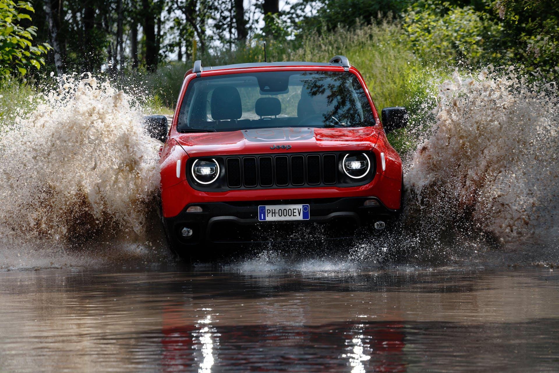 Jeep Renegade ibrida plug-in