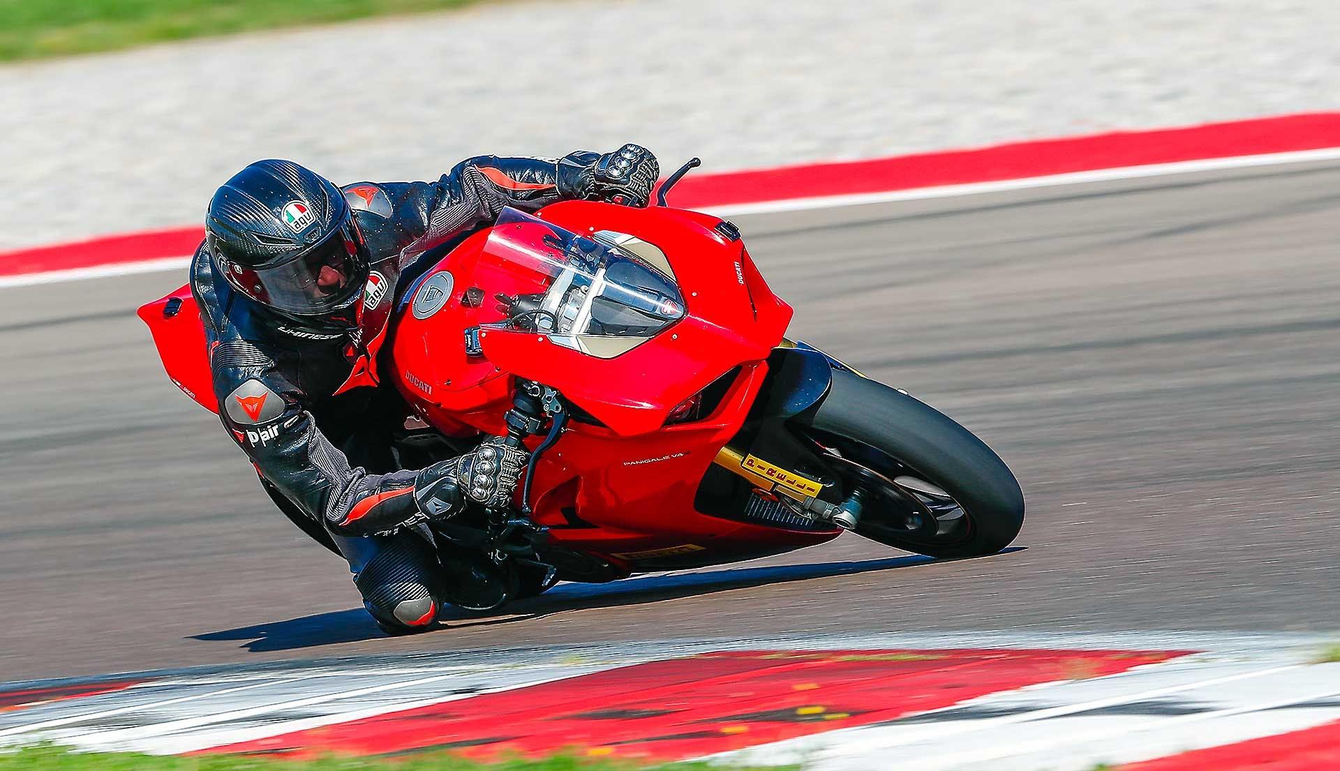 Comparativa-1000-2019-Ducati-Panigale-V4S-014