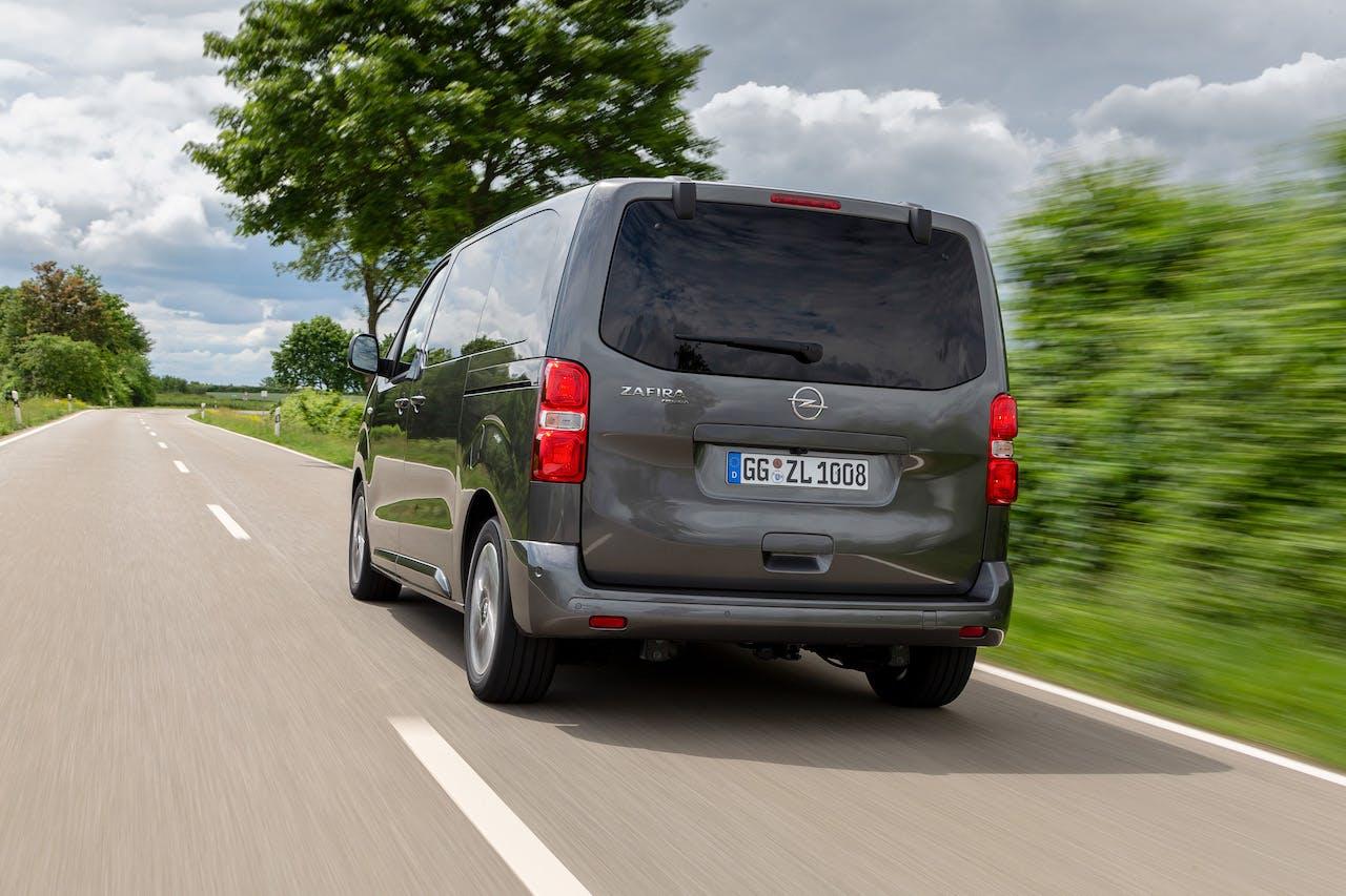 Opel Zafira Life vista posteriore
