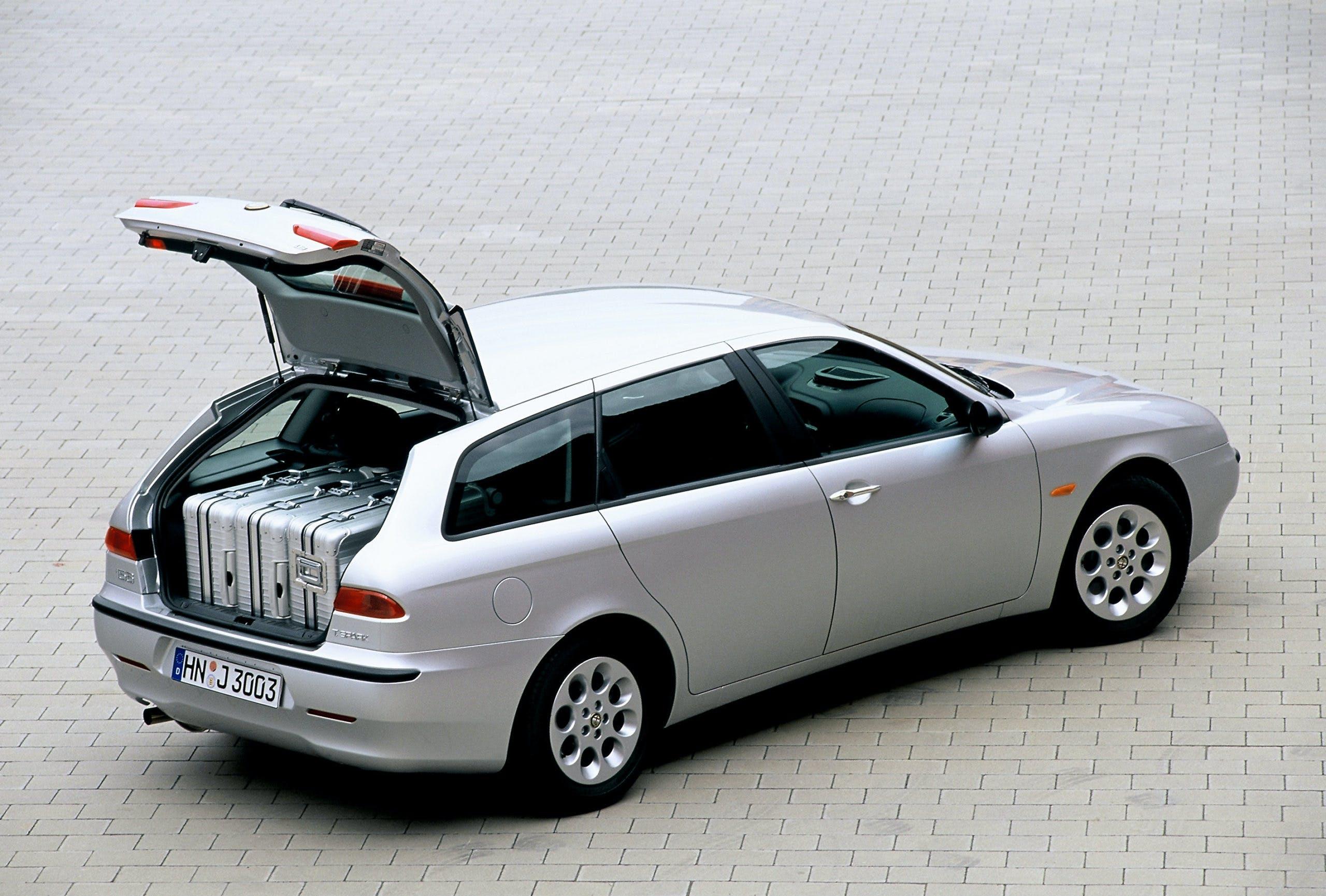 Alfa Romeo 156 Sportwagon grigia bagagliaio