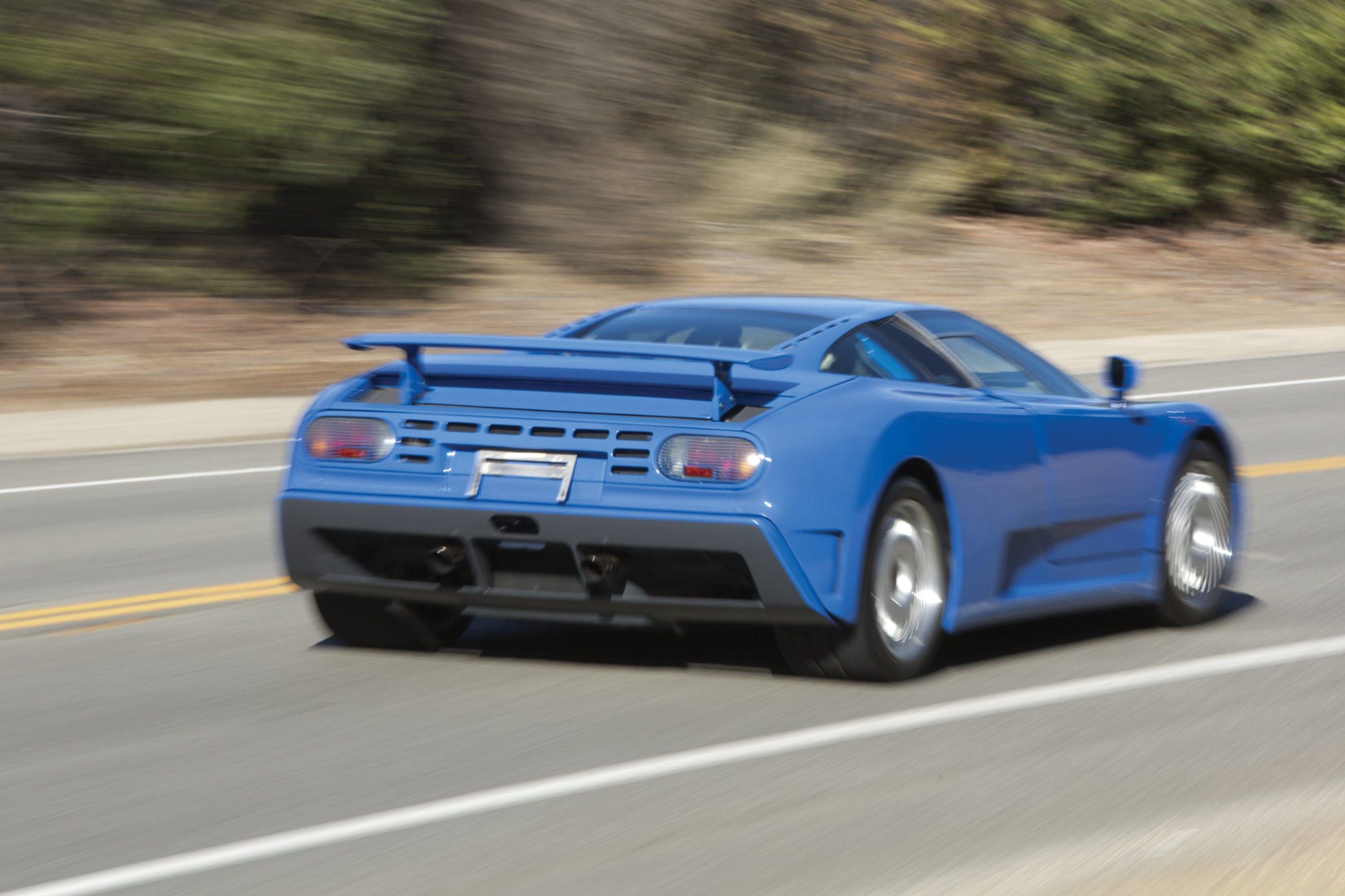 bugatti_eb110_gt blu vista posteriore