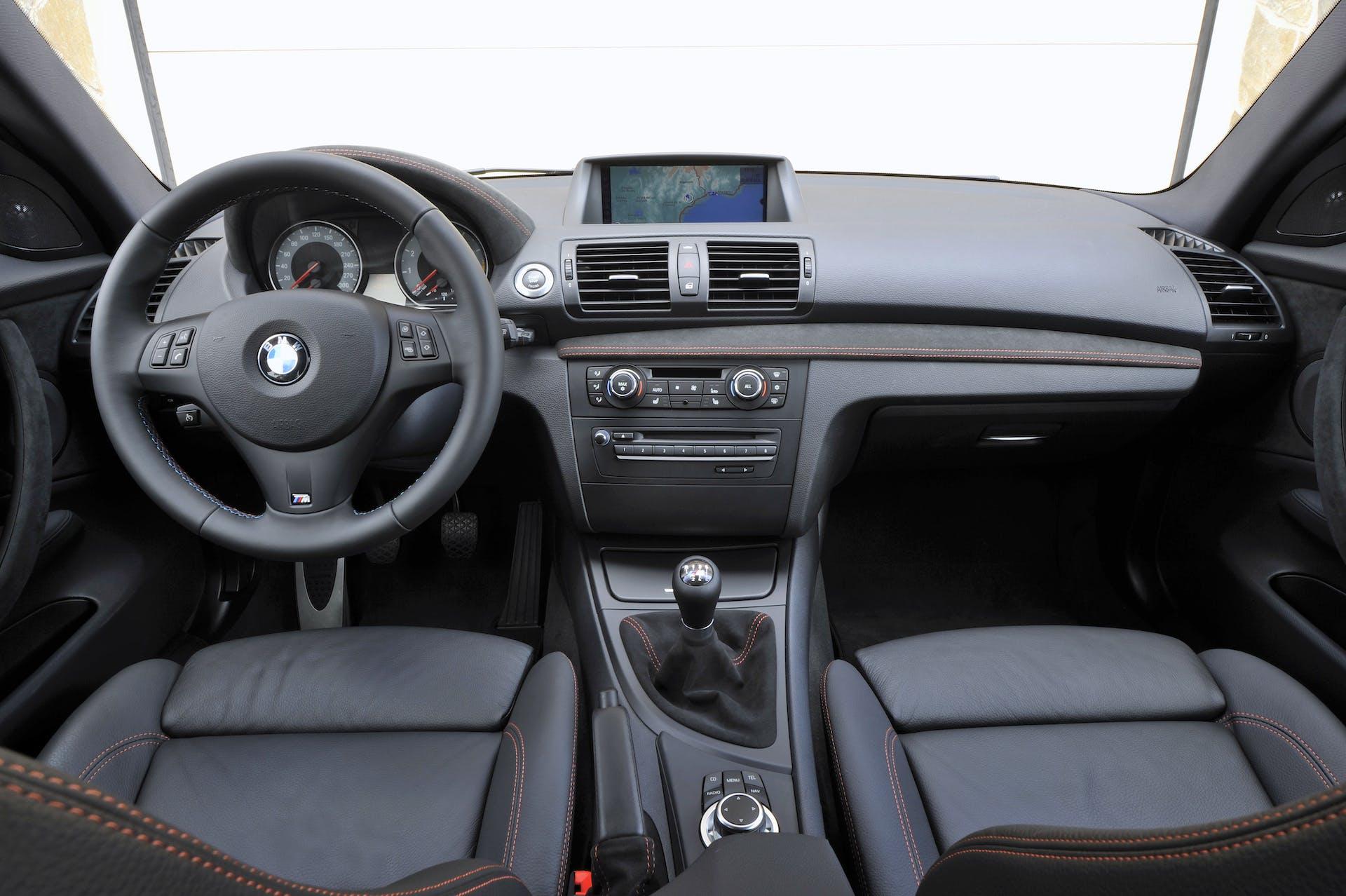 BMW Serie 1 plancia
