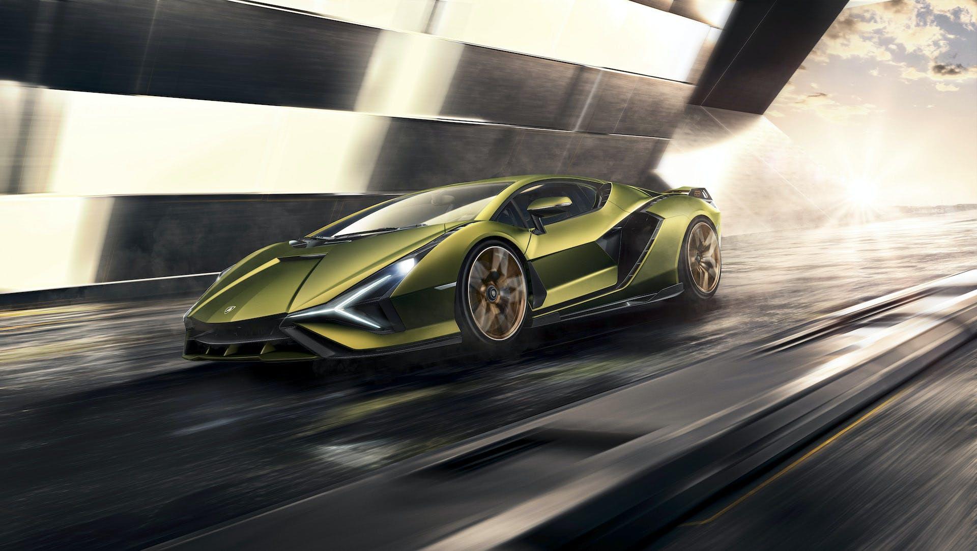 Lamborghini Siàn in movimento
