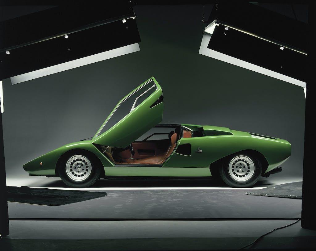 Youngtimer – Lamborghini Countach, prendere la Miura e metterla da parte