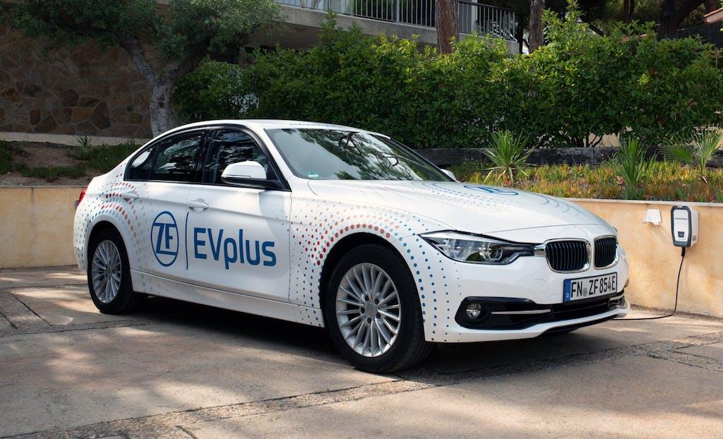 Auto ibride plug-in, ZF porta l'autonomia elettrica a 100 km