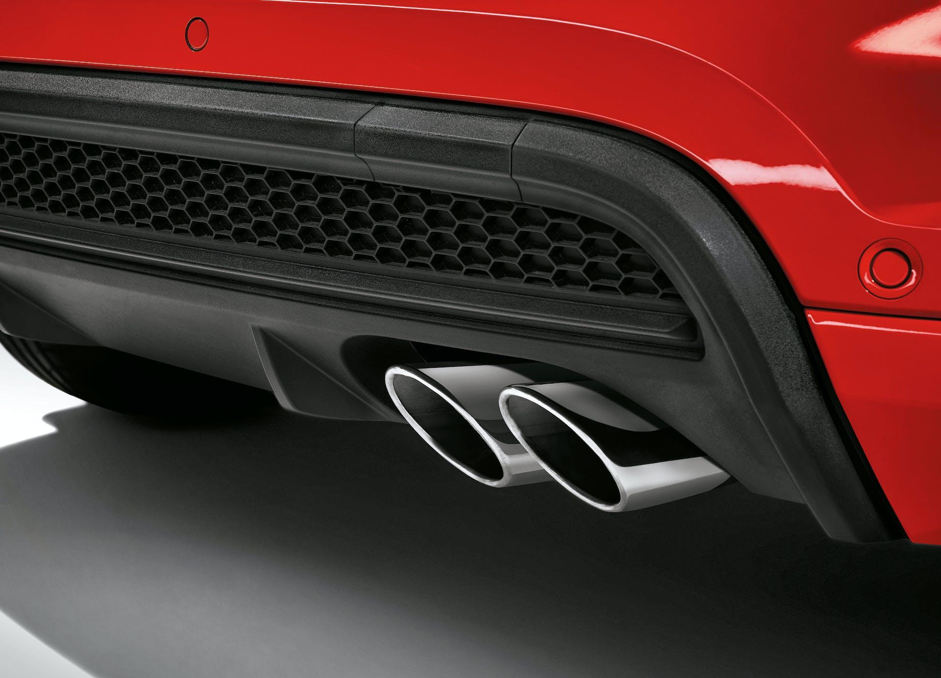 Fiat 500X Sport rossa, dettaglio scarico