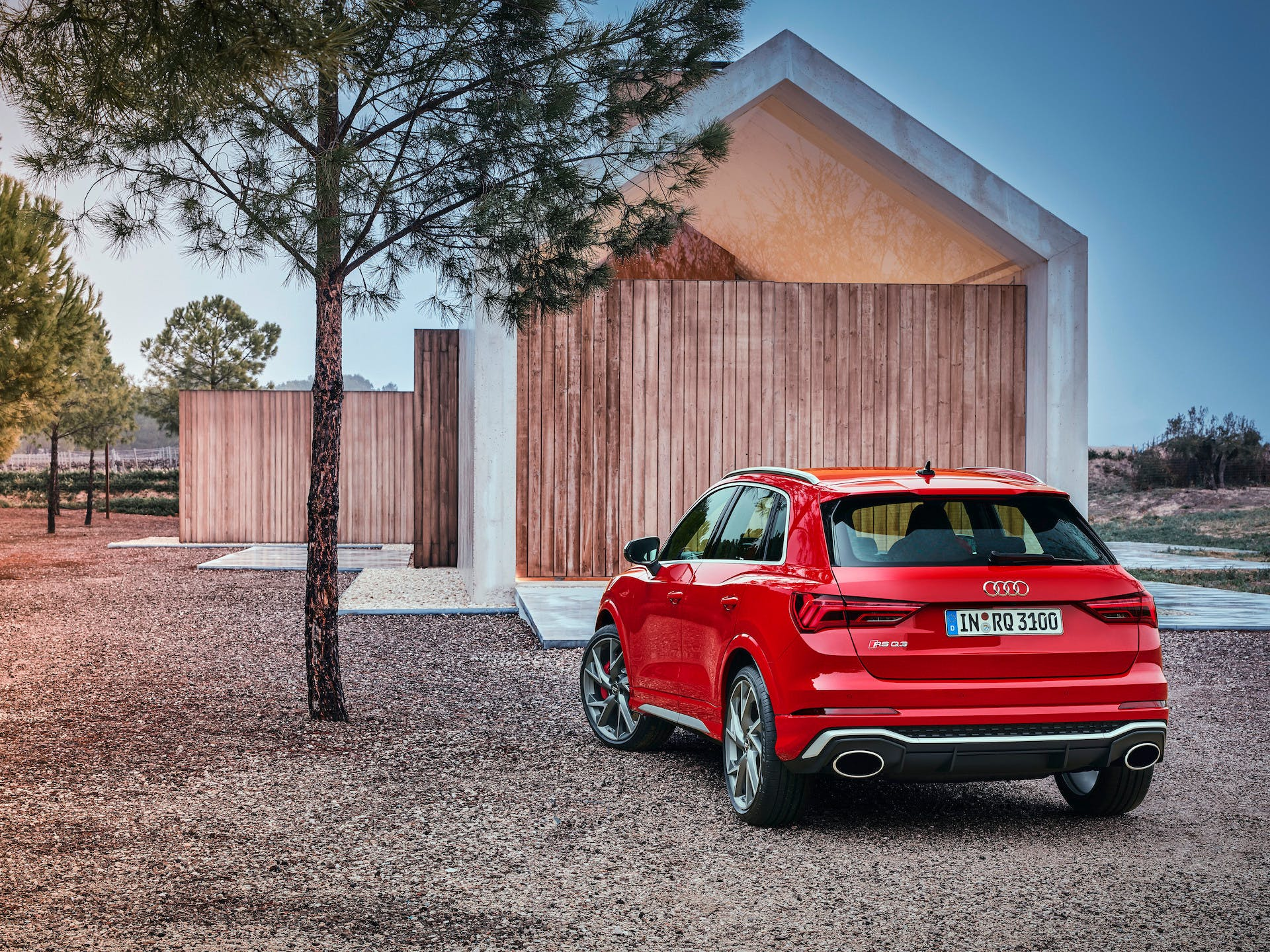 Audi RS Q3 tango red
