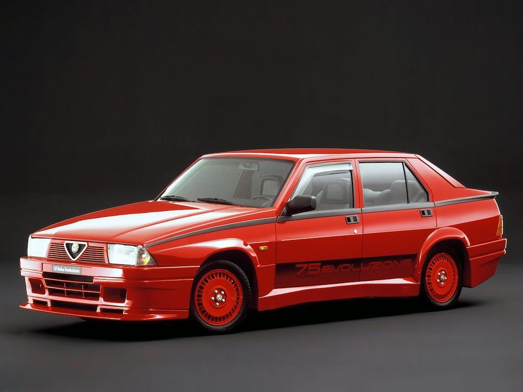 Youngtimer – Alfa Romeo 75 Turbo Evoluzione, rosso passione