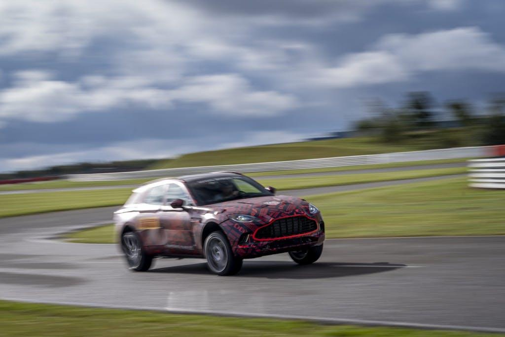 Ferrari Purosangue o Aston Martin DBX, quale scegliereste?