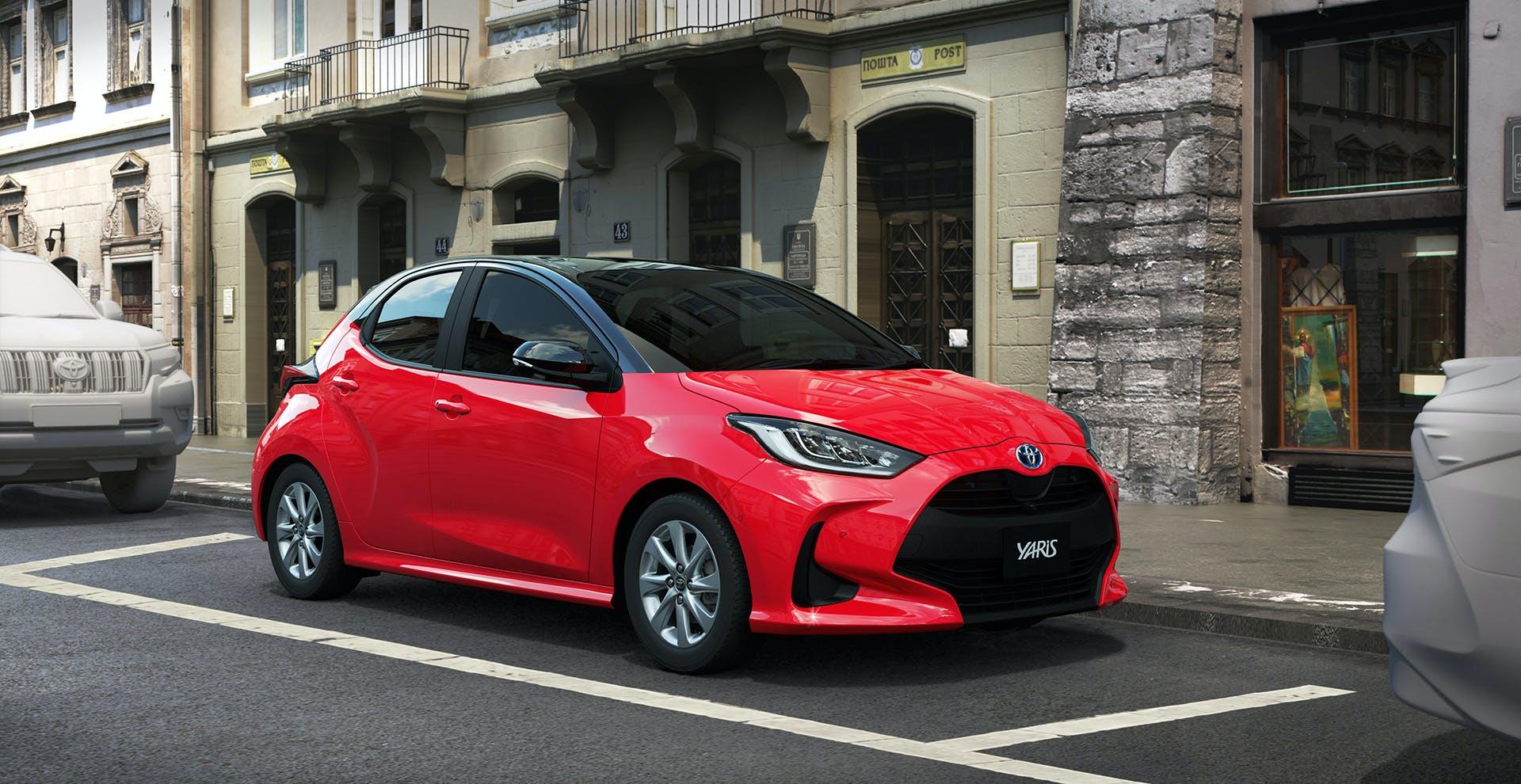 Nuova Toyota Yaris tre quarti anteriore
