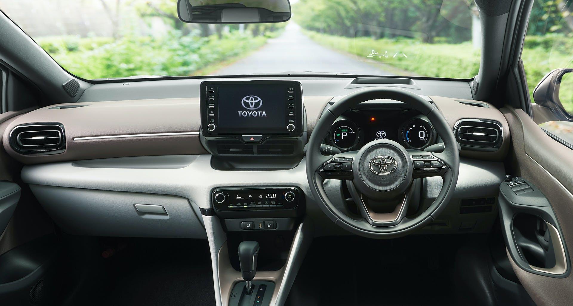 Nuova Toyota Yaris plancia