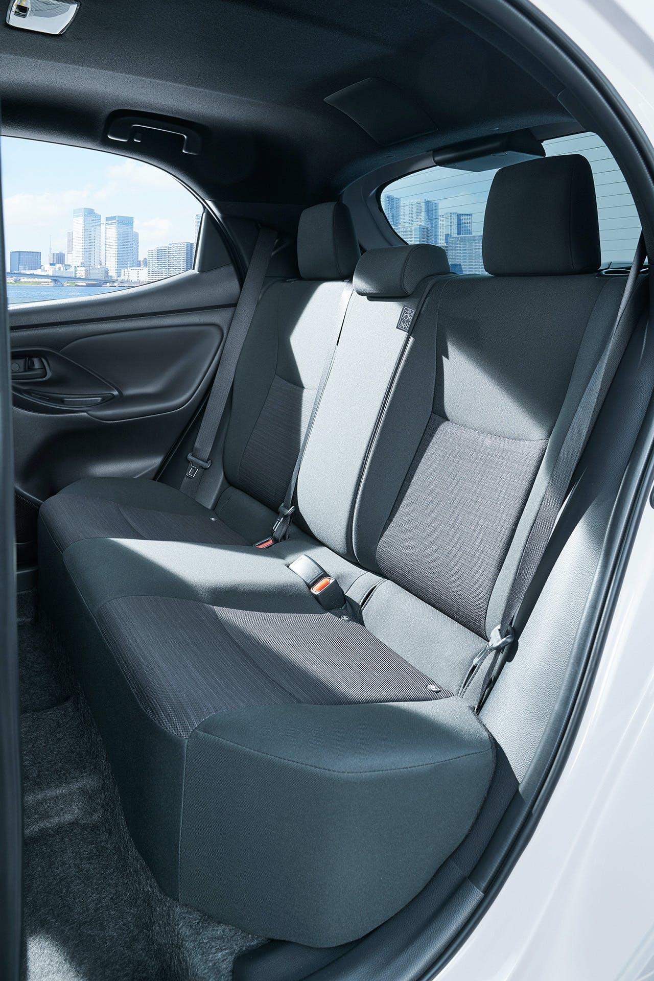 Nuova Toyota Yaris sedili posteriori