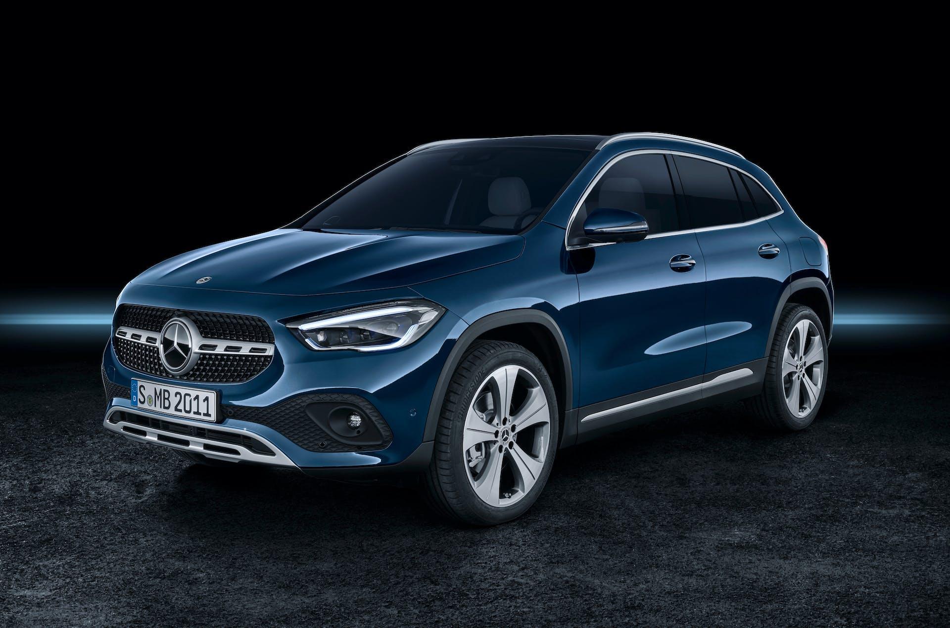 Mercedes-Benz GLA blu