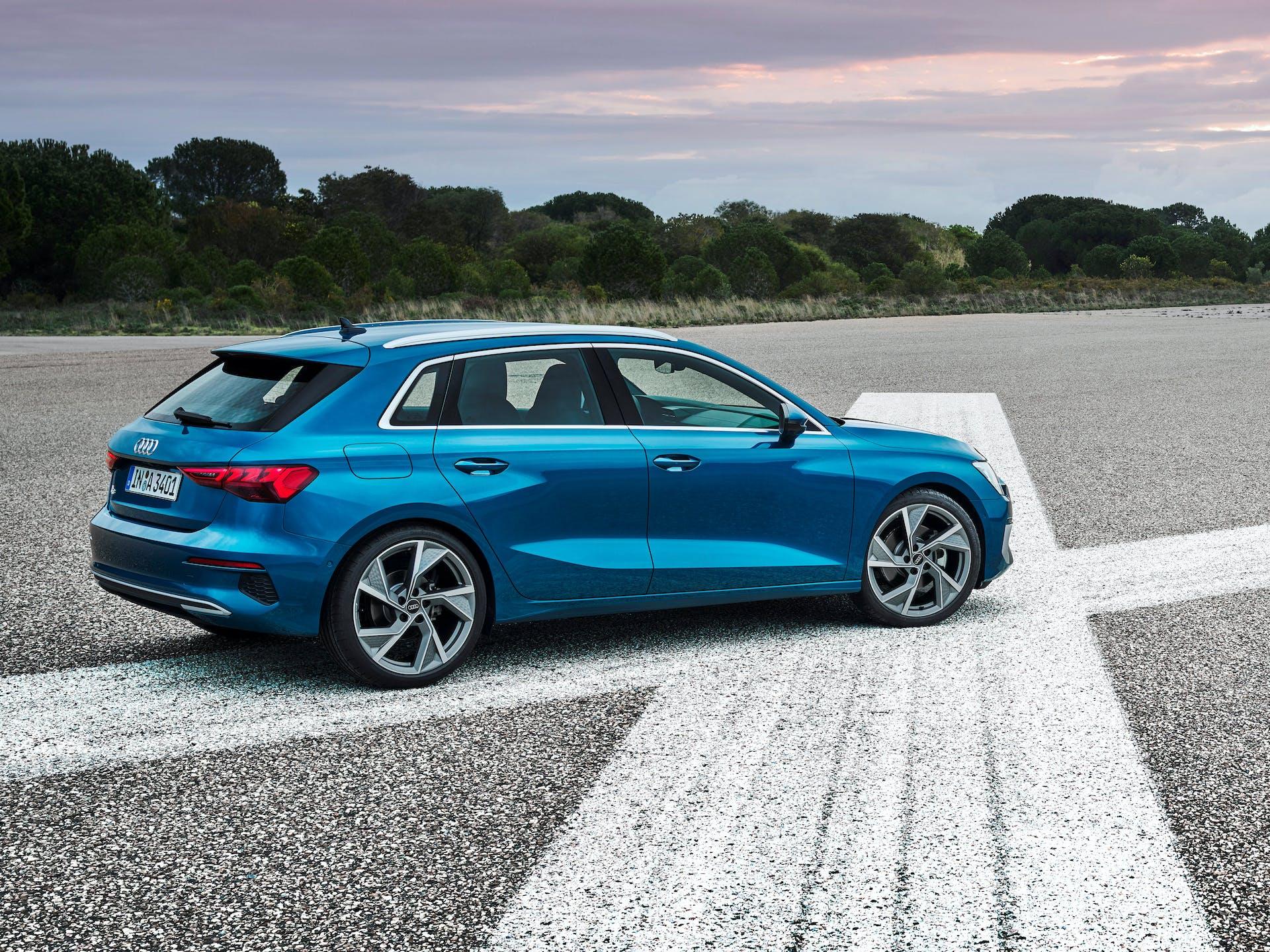 Nuova Audi A3 Sportback tre quarti posteriore