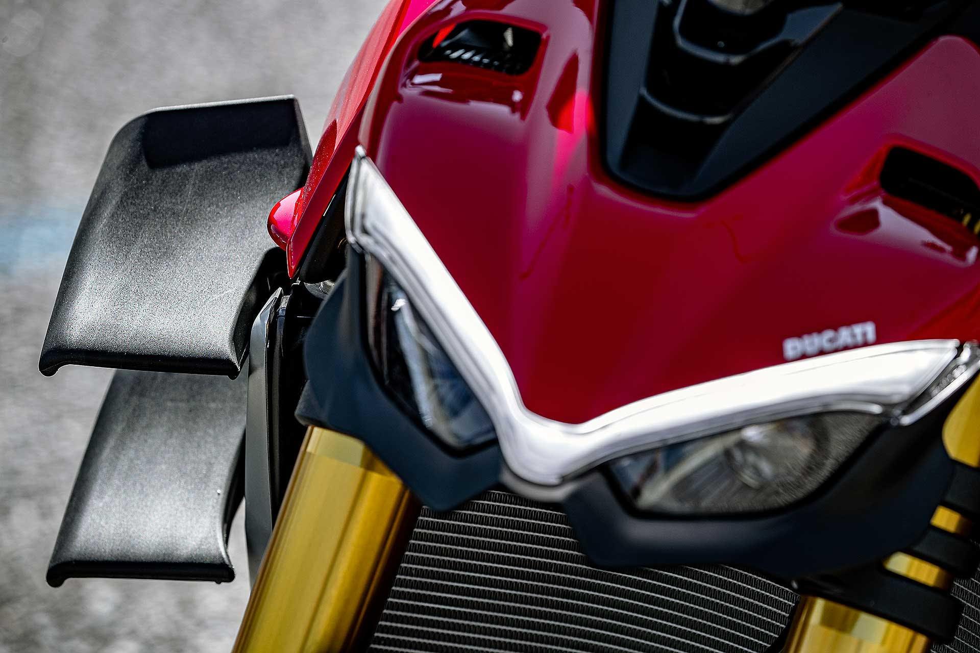 Ducati Streetfighter V4 S rossa, ali blplano