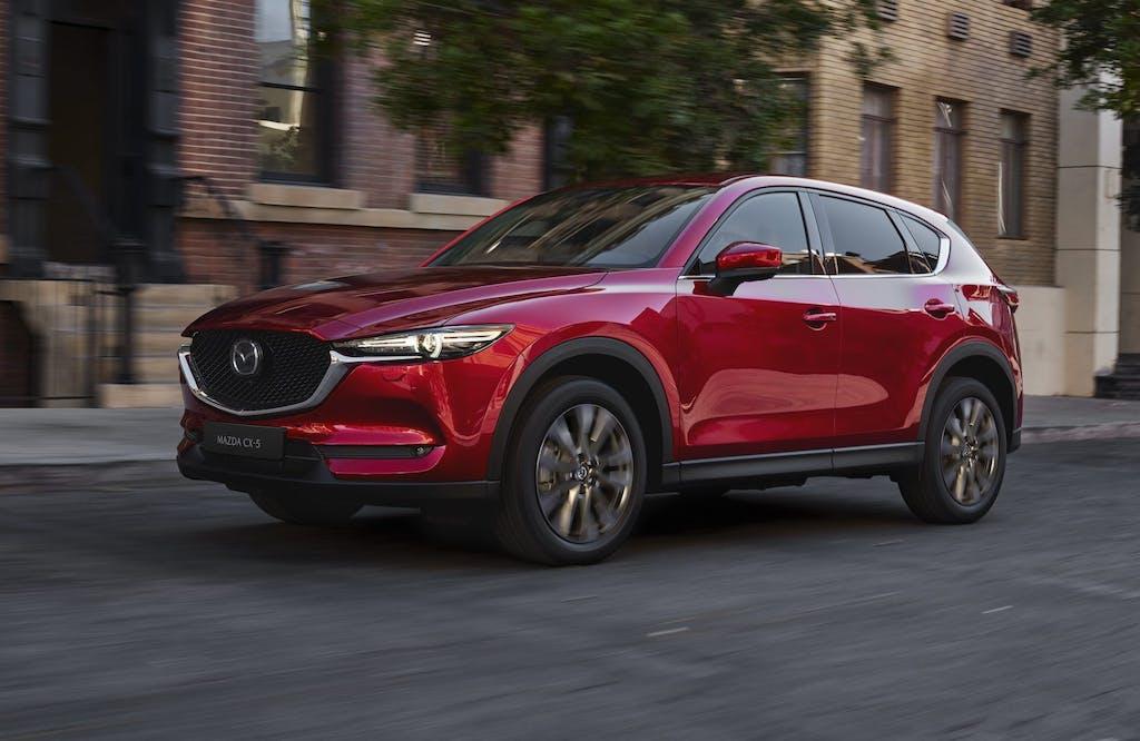 Mazda CX-5 2020, disattiva i cilindri e taglia i consumi. Da 32.350 euro