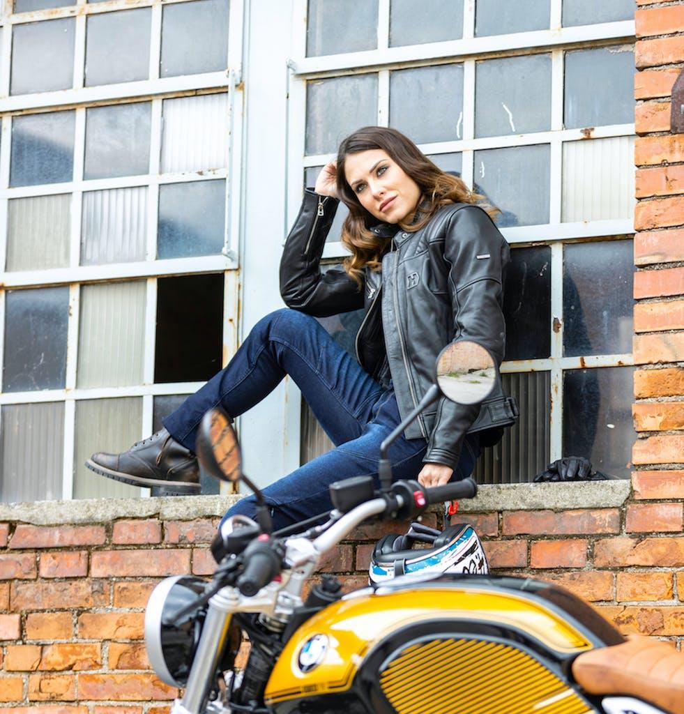 I 10 migliori pantaloni da moto estivi da donna
