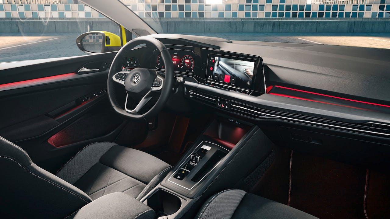 Nuova Volkswagen Golf 8 plancia