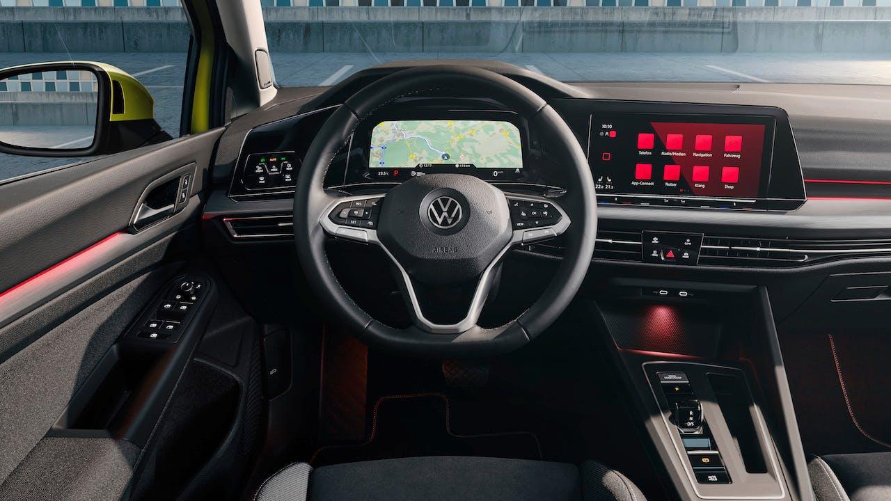 Nuova Volkswagen Golf 8 strumentazione