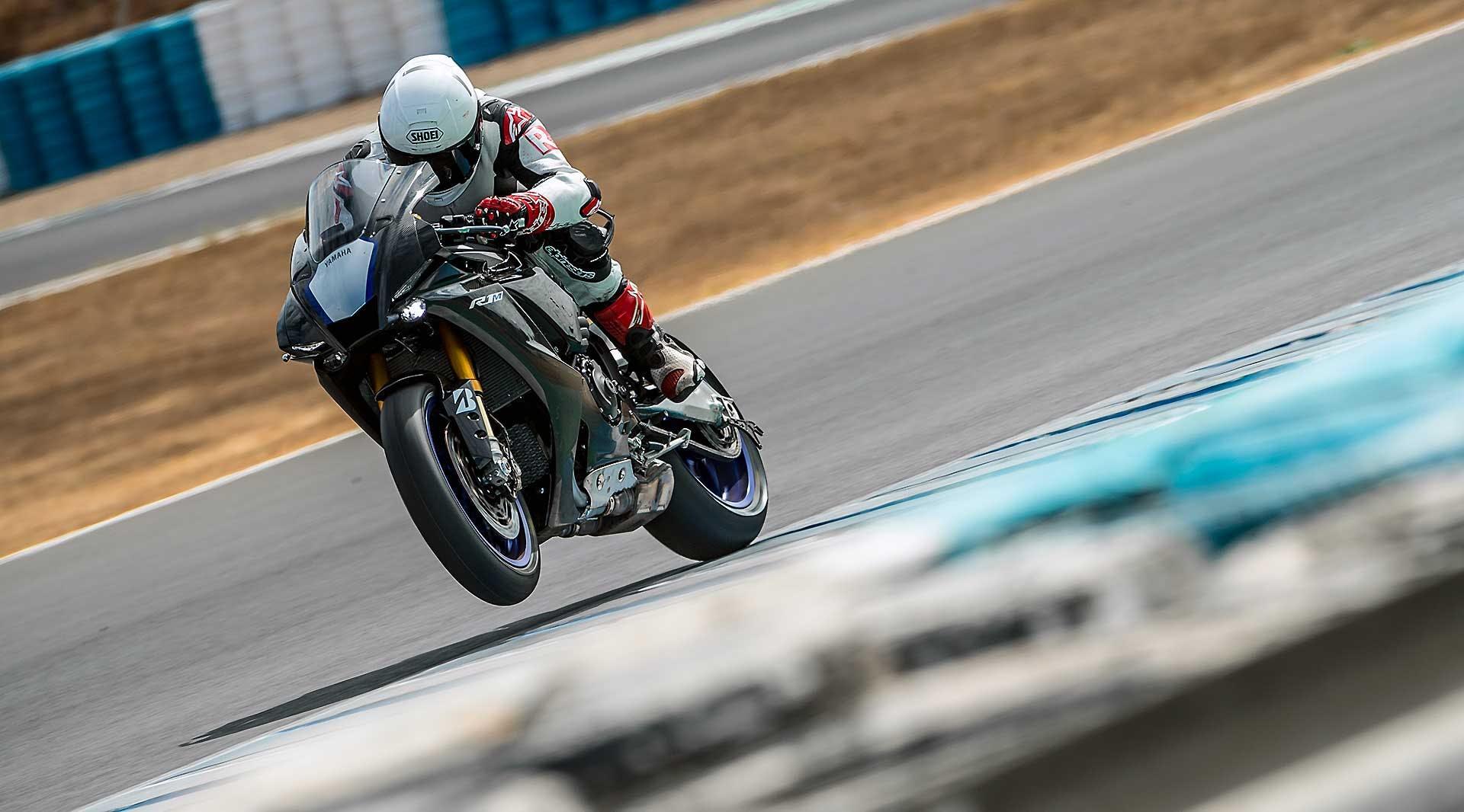 Yamaha R1M 2020 Jerez azione