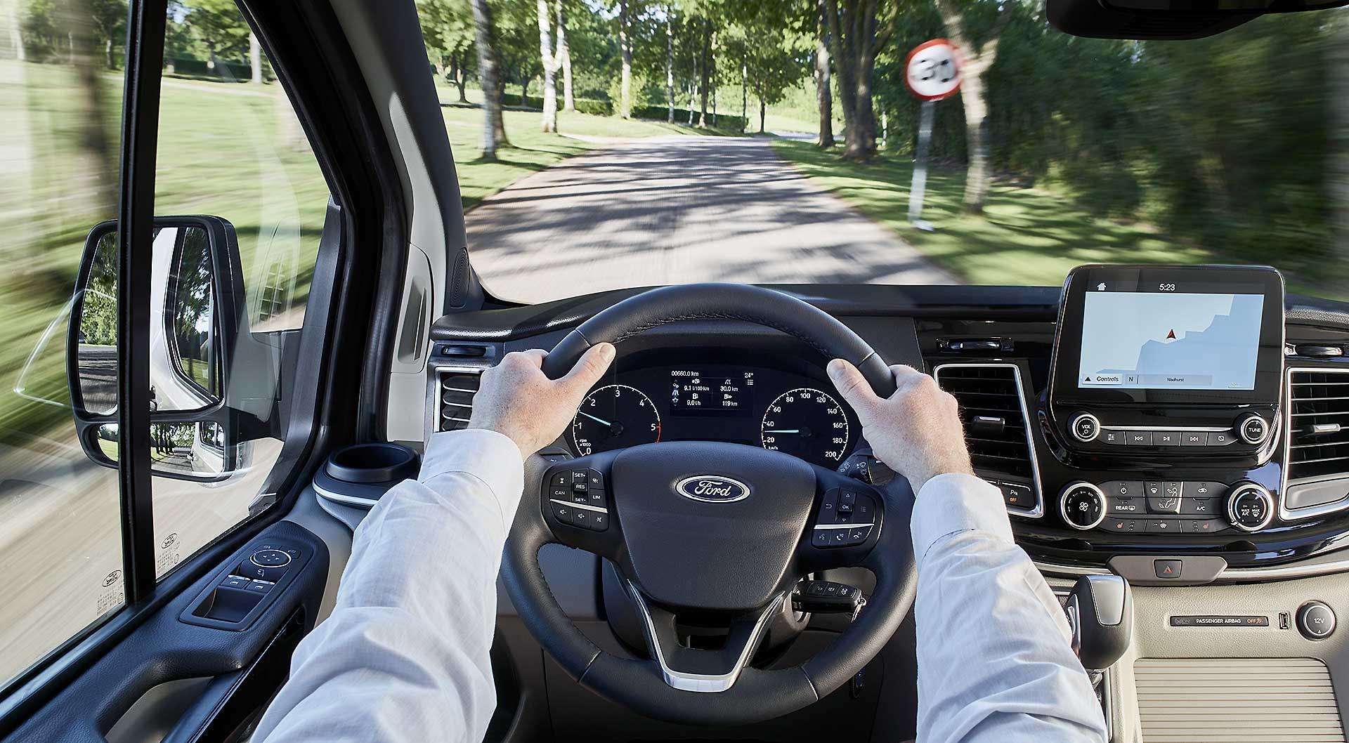 Ford Tourneo Custom posto di guida