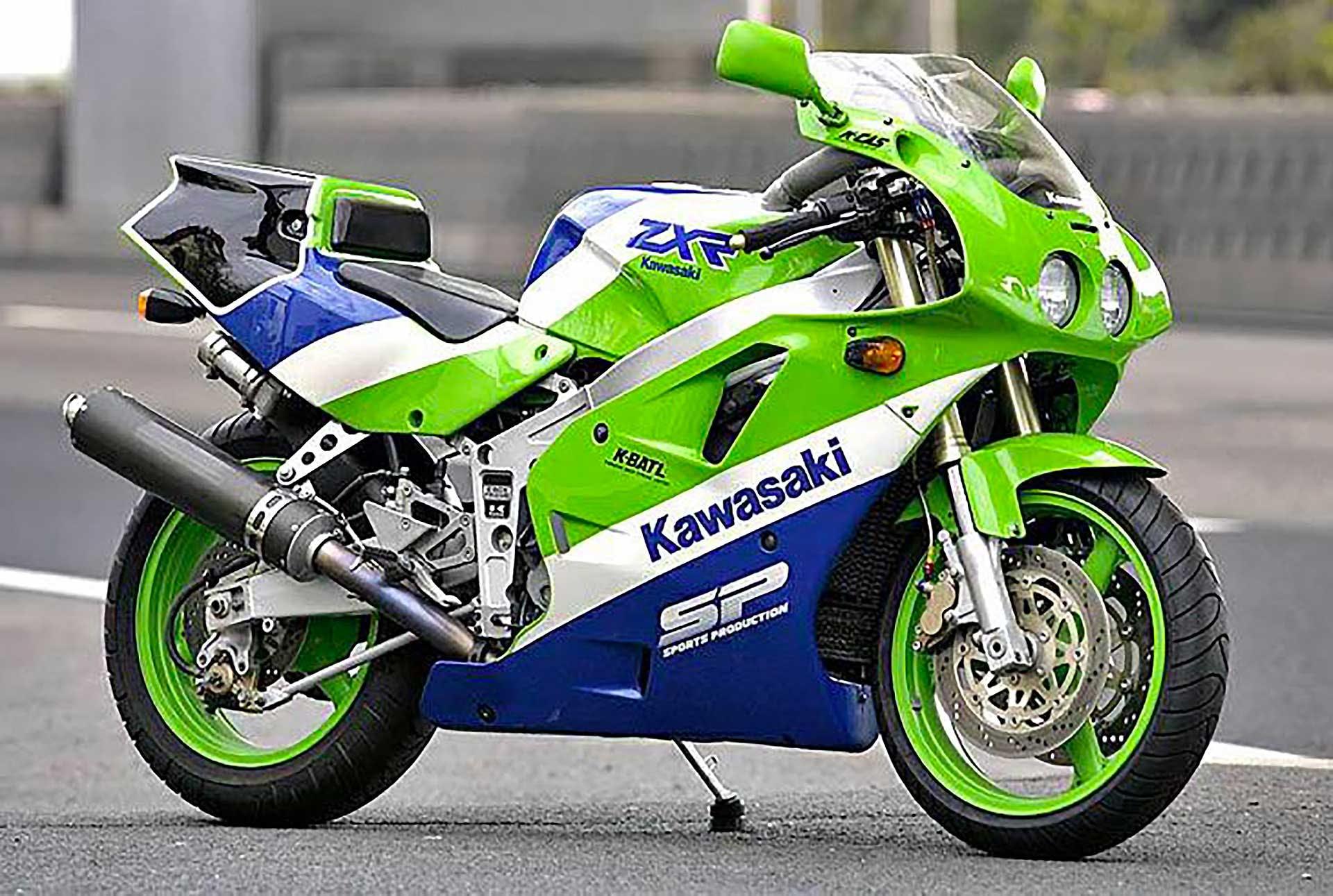 Kawasaki-ZXR400.jpg?auto=format%2Ccompre