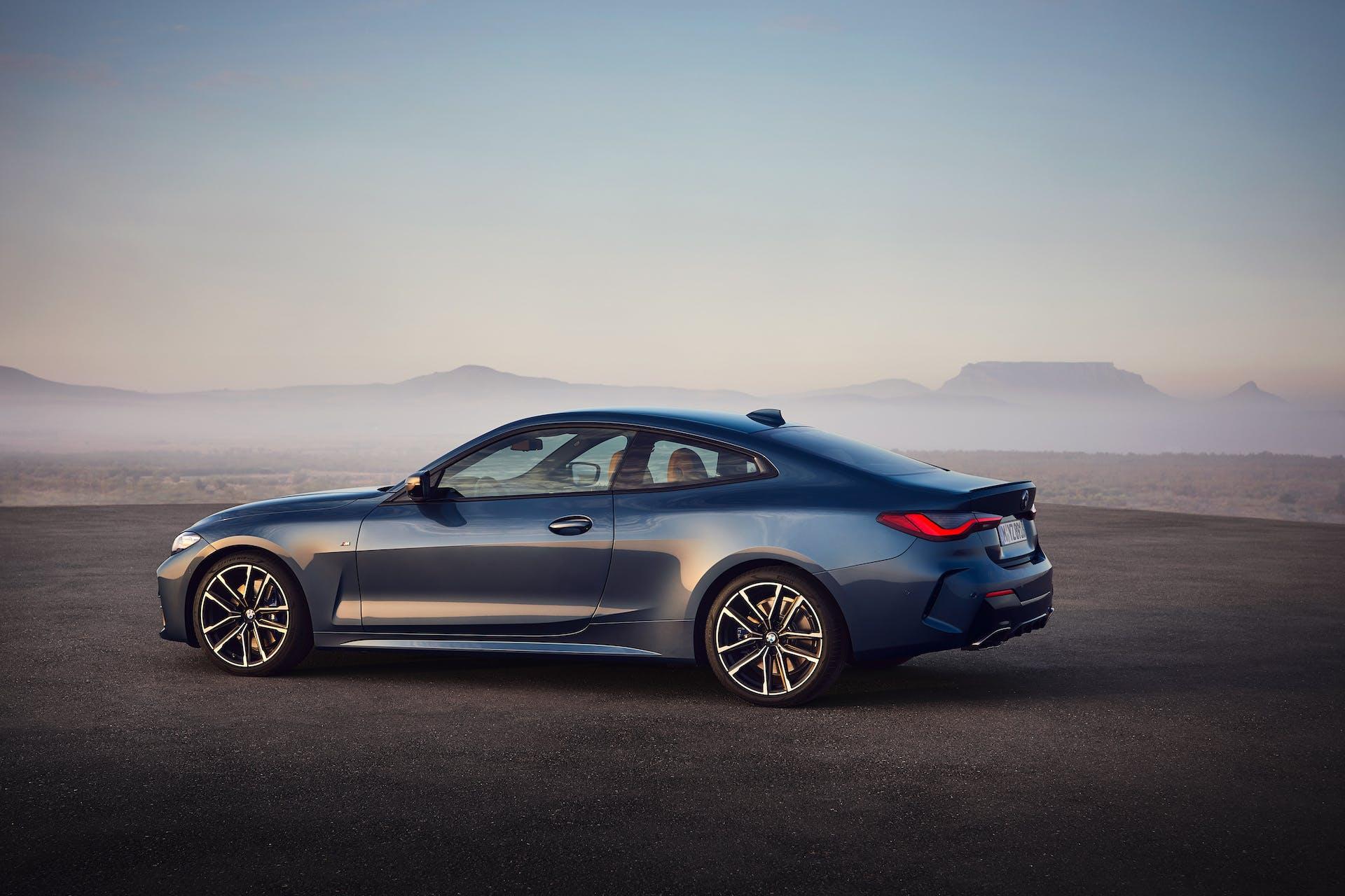 BMW Serie 4 Coupé tre quarti posteriore